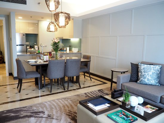 Sensational 2 Bedroom Deluxe Picture Of Ascott Makati Tripadvisor Home Remodeling Inspirations Basidirectenergyitoicom