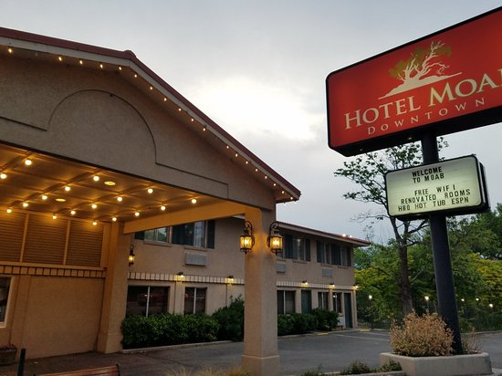 Hotel Moab Downtown : 20180501_195651_large.jpg