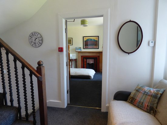 Stromeferry, UK: stationmasters Lodge holiday house