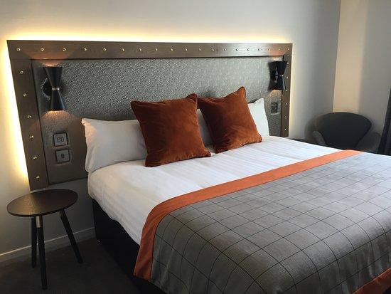 The Zest Restaurant: Gailes Hotel bedroom