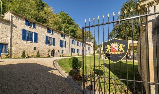 Saint-Maixent-l'Ecole, France: Entrée de l'hôtel