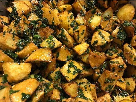 Hommus Snack Libanese: BATATA HARRA :PATATE,CORIANDOLO,AGLIO