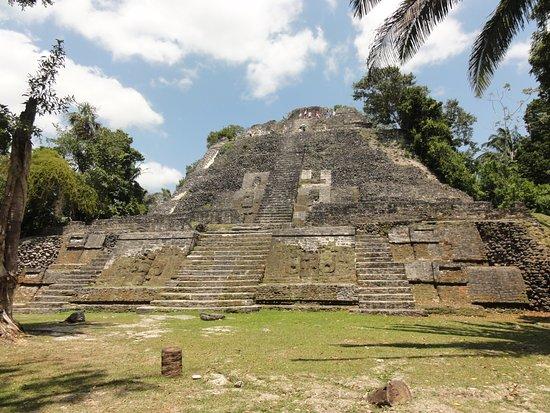 Lamanai Belize Tours: Temple