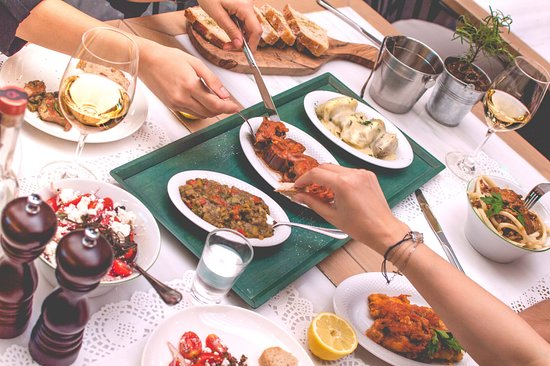 "Yoleni's Greek Gastronomy Center: The ""Topos"" menu"