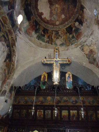 Agia Paraskevi Church: The Painted altar of the church