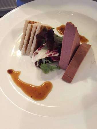 Grinkle Park Hotel : Chicken liver pate, chutney and toast