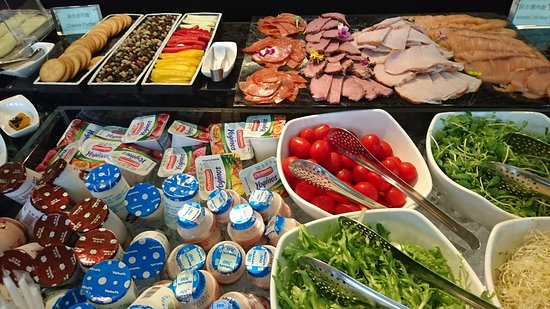Artree Hotel: 飯店早餐餐飲