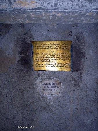 Fonte e porta san Felice : particolari oratorio