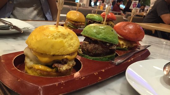 Salt//Pepper - Central World: Mini burgers