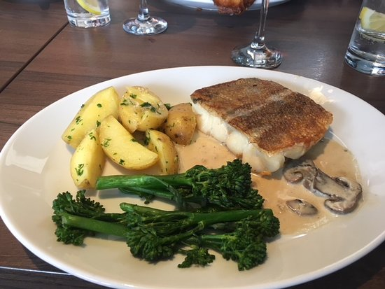 The Waterfront Fishouse Restaurant: fish of the day - hake