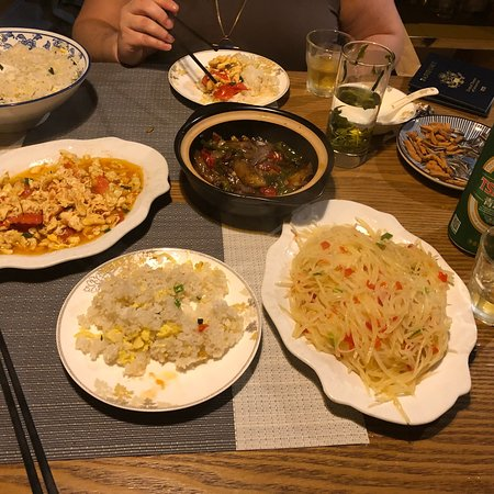 Songye Hostel: Rooms were clean and well furnished. Food was fantastic!!