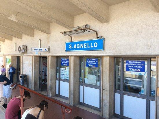 Hotel Alpha: Station