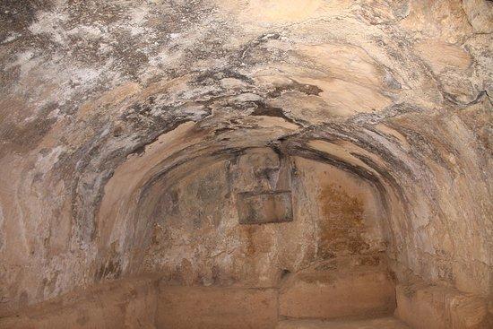 สุสานกษัตริย์: Inside another of the the tombs