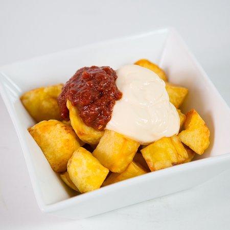 Moka Restaurant Cafeteria: Patatas bravas