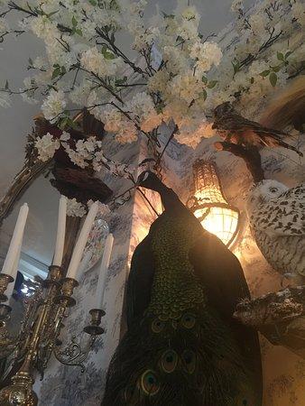 Poppy's: Interior decoration
