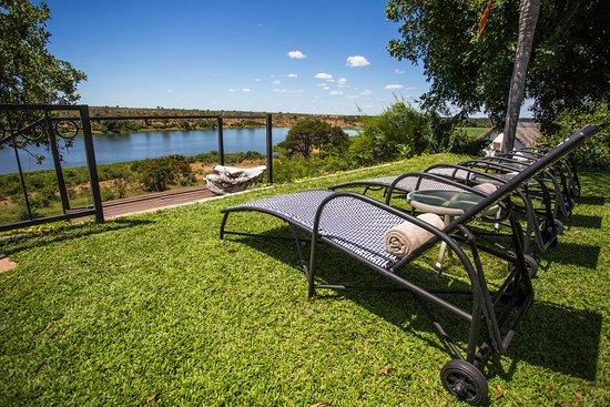 Buhala Lodge: Sun loungers