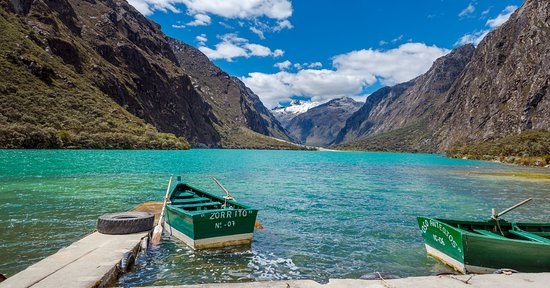 Lake Llanganuco: there is the option to take about on the lake.