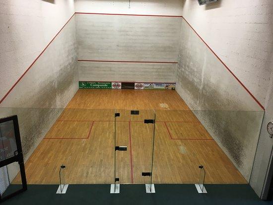 Club Squash-Badminton de l'hermitage: terrain de squash