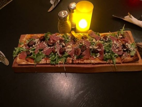Scoozi: Fig and Prosciutto Flat Bread