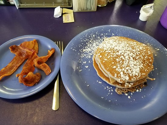 Taylor Cuisine Cafe & Catering: Blueberry panckes