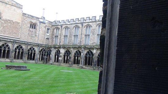 มหาวิหารเดอร์แฮม: Durham cathedral