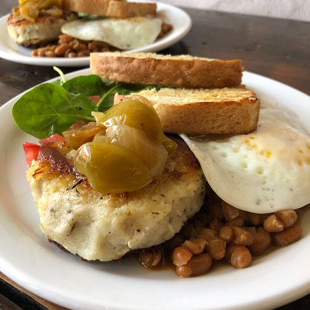 Sackville, Canada: Fish Cakes and Baked Beans