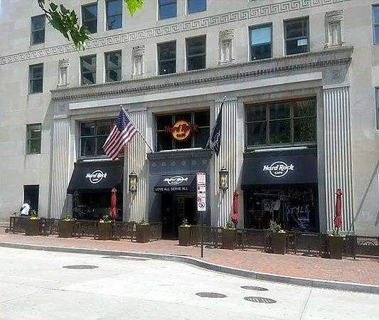 Hard Rock Cafe: Exterior View