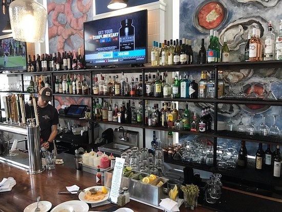 King Street Oyster Bar Middleburg : Bar
