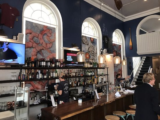 King Street Oyster Bar Middleburg : Downstairs bar