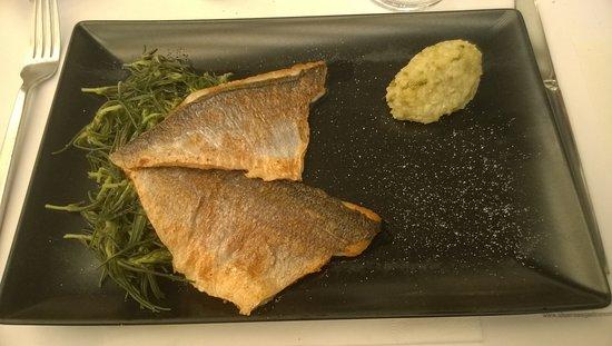 σπίτι: Filets de rougets (bream) accompagnés d'armira et purée au gingembre