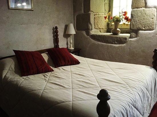 Hotel Creperie Roc Maria: Double room