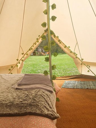 Belair le Camping : Interior of 5m LUXE Belle Tent