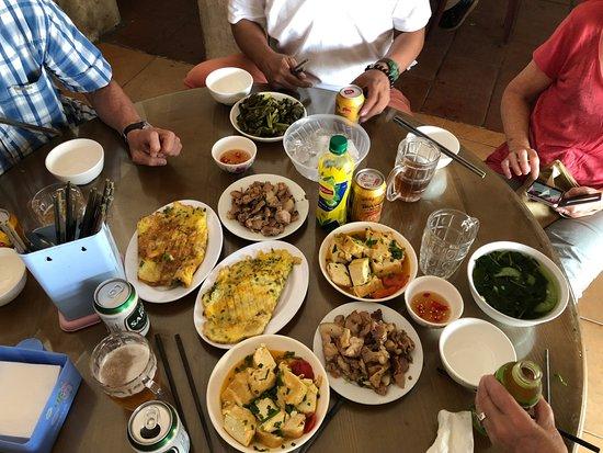 Typic Travel: Un repas dans un Bui Bui