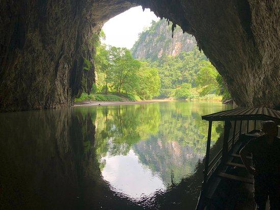 Typic Travel: Vue depuis la grotte de Puong