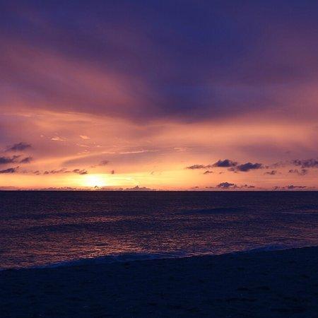 'Tween Waters Island Resort & Spa Photo