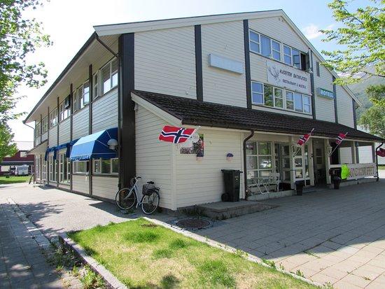 Midnattsol Batnfjord Motell Image