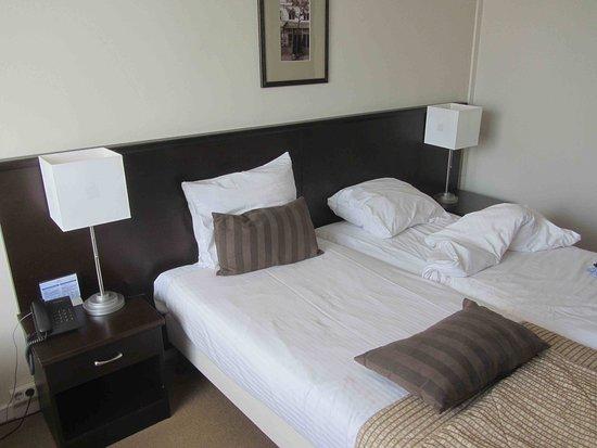 Haarlemmerliede, The Netherlands: Long bed