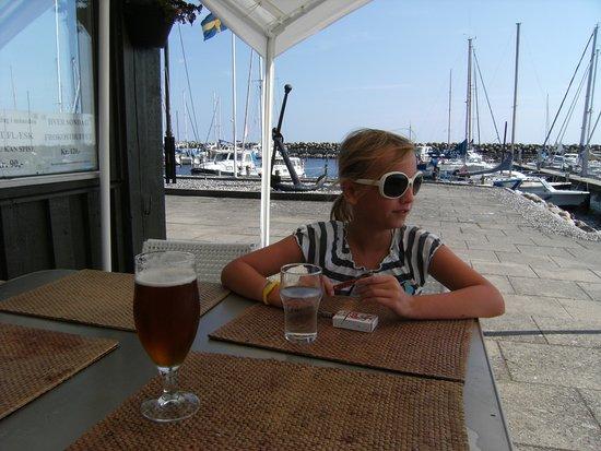 Faxe Ladeplads, Denmark: Nyder at sidde her ...