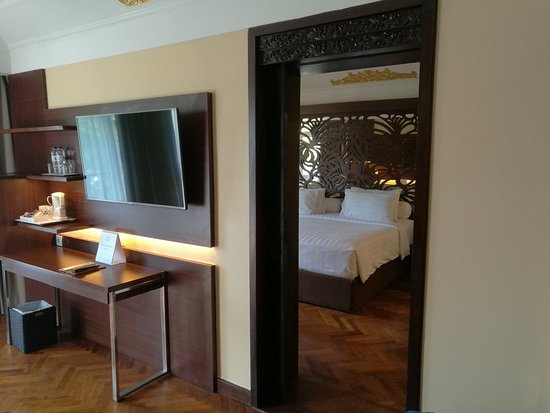Prama Sanur Beach Bali : 74 sqm Club suite room