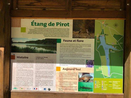 Saint-Bonnet-Troncais, França: Etang de Pirot