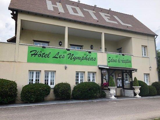 Chaufour-les-Bonnieres, Francia: Nice Hotel
