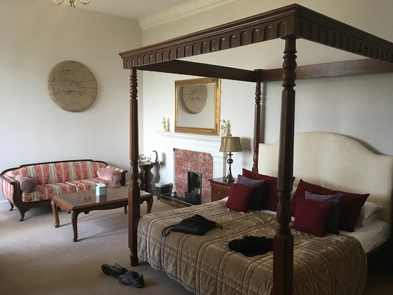 Invernairne Hotel Photo