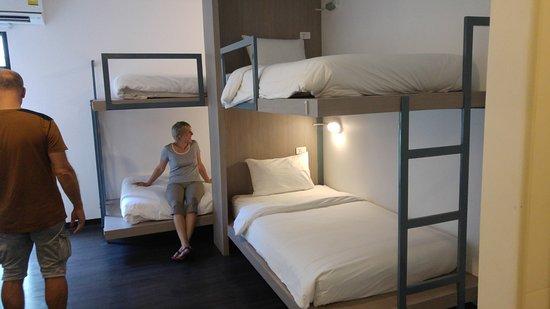 Wake Up Aonang Hotel: Les lits la découverte
