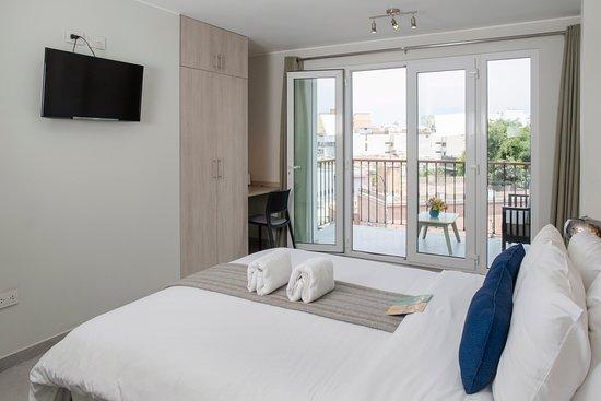 Our Queen Room En Suite Bathroom Large Balcony Queen Size Bed