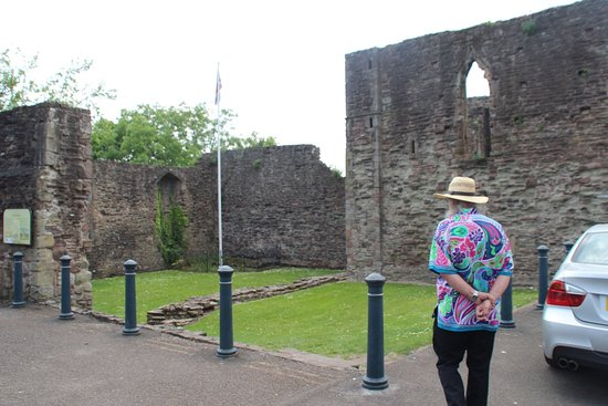 Monmouth Castle and Military Museum: castle