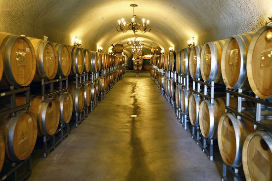 Simoncini Vineyards: The impressive entrance to their barrel cave.