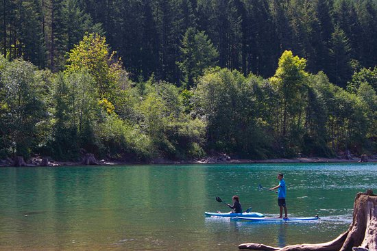 North Bend, WA: Kayak and Paddle Board on Rattlesnake Lake
