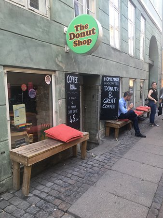 The Donut Shop: The entrance.