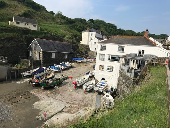 Portloe Harbour and the Lugger Hotel