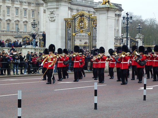 Trooping the Colour : 有樂器參與